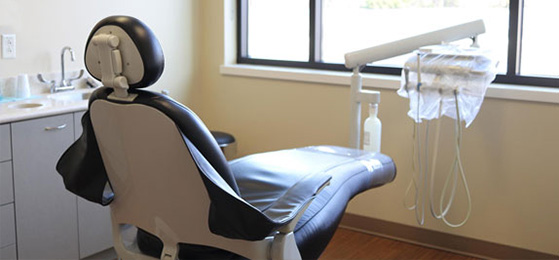 Dental chair with equipments